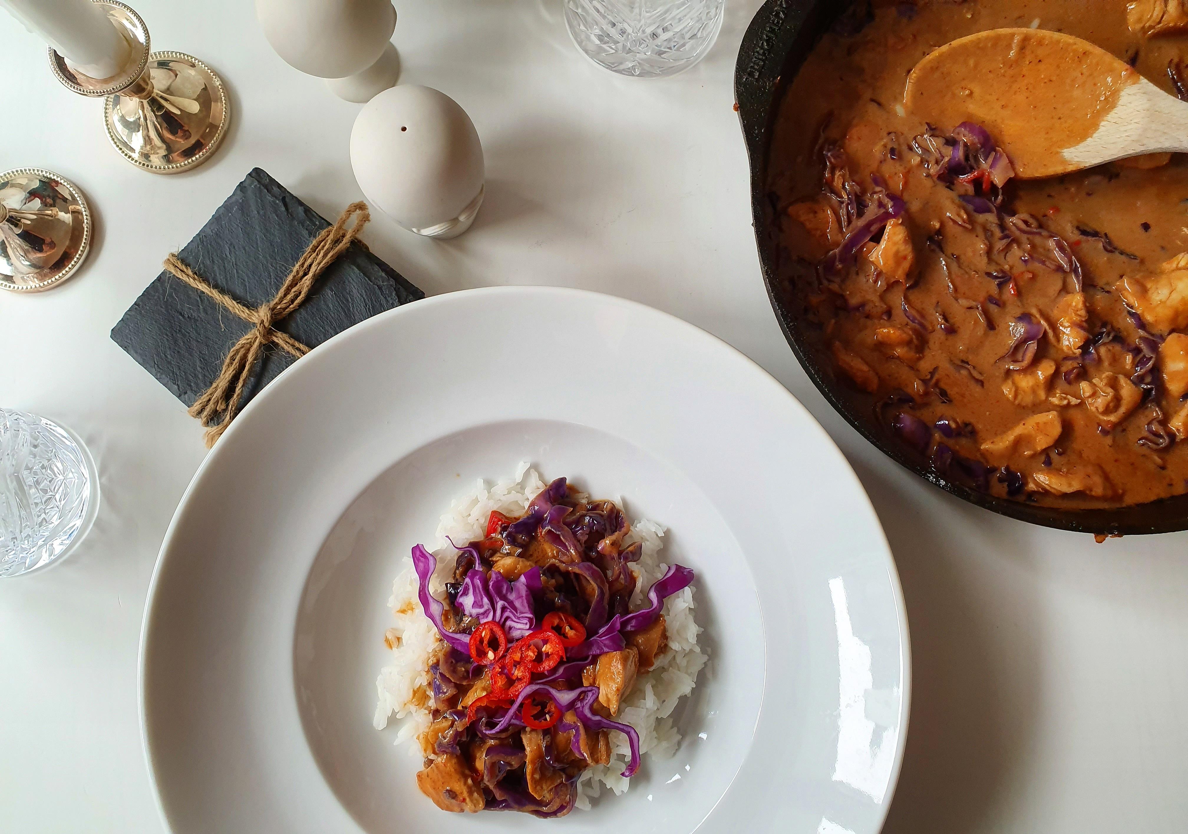 Röd currygryta med kyckling