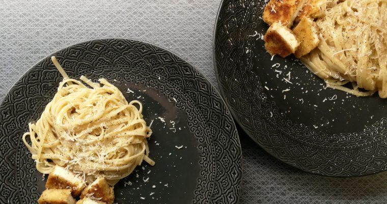 Pasta alfredo med panerad chilihalloumi
